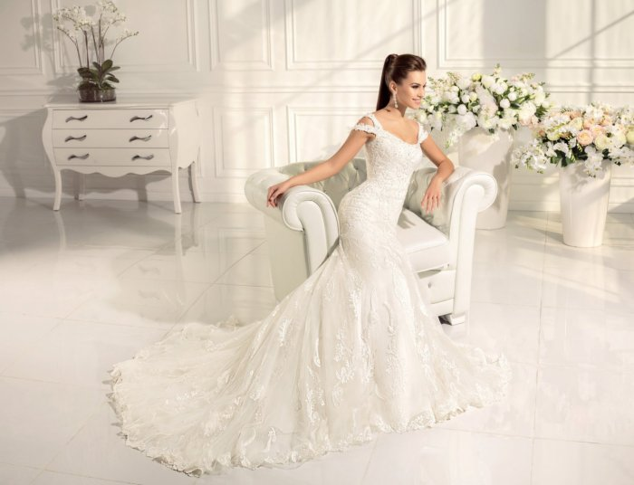 392379bc9fa Белое свадебное платье  оттенки и фасоны