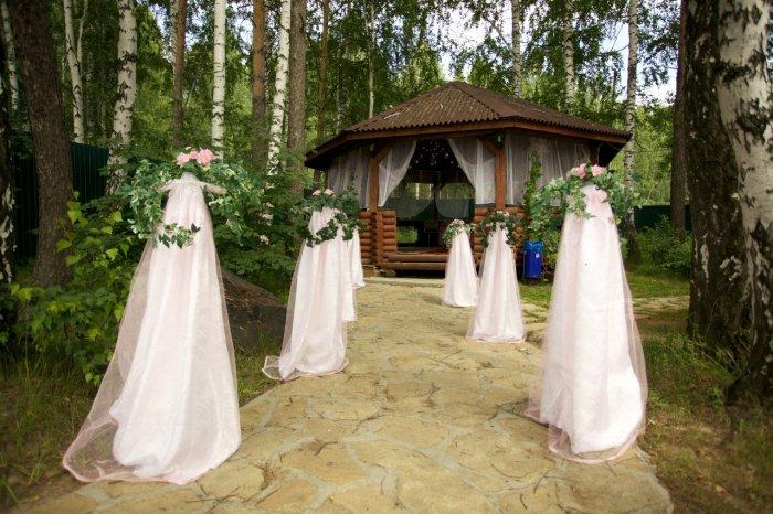 Как украсить двор на свадьбу