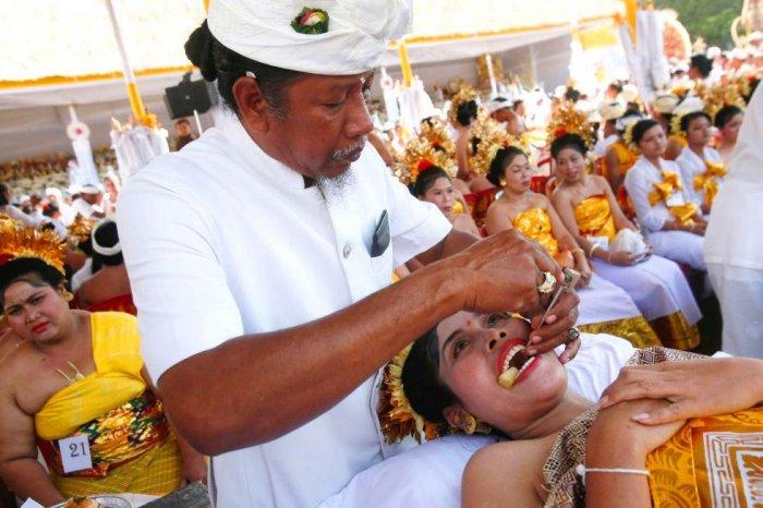 Необычные традиции на свадьбе