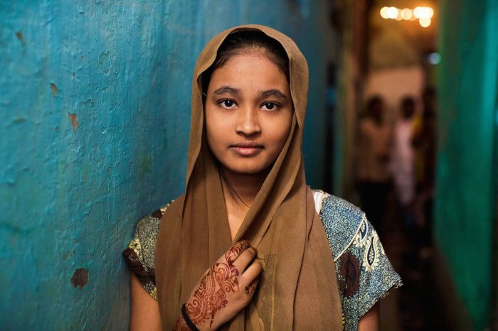 xdharavi-girl-5.jpg.pagespeed.ic.HTgtTHtfKN
