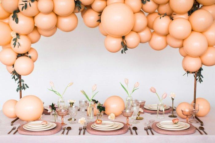 Современный декор свадьбы шарами