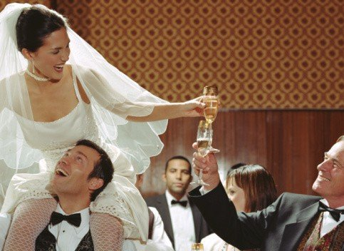 Прикольный тост на свадьбу подруге