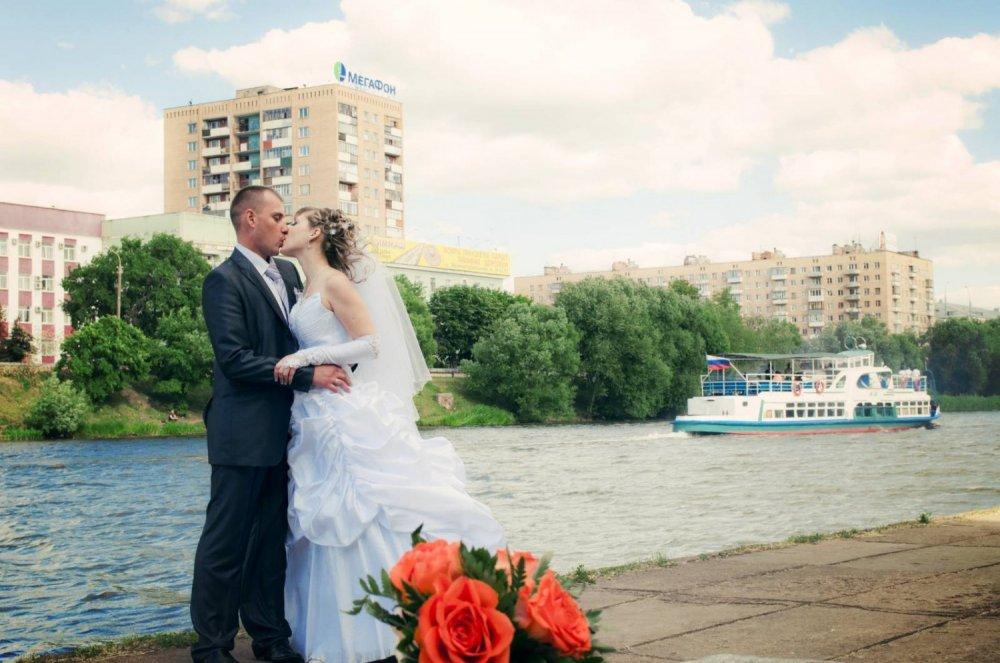 работе использует фото свадеб в орле так получилось