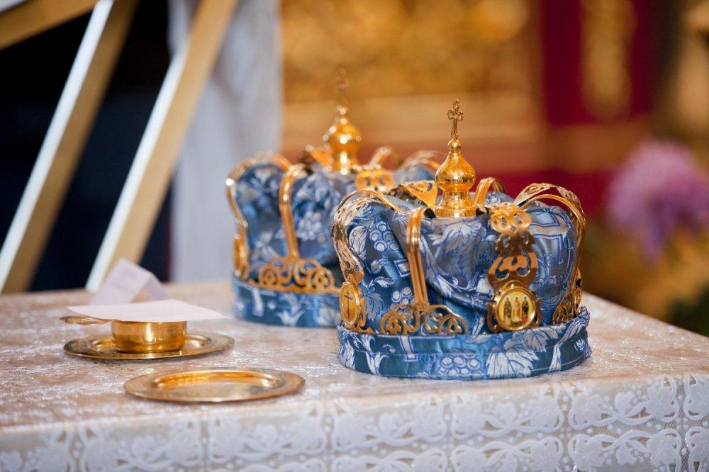 раз брали поздравление с венчанием у католиков для молодых ещё