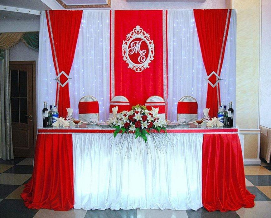 Свадебный стол в красном цвете