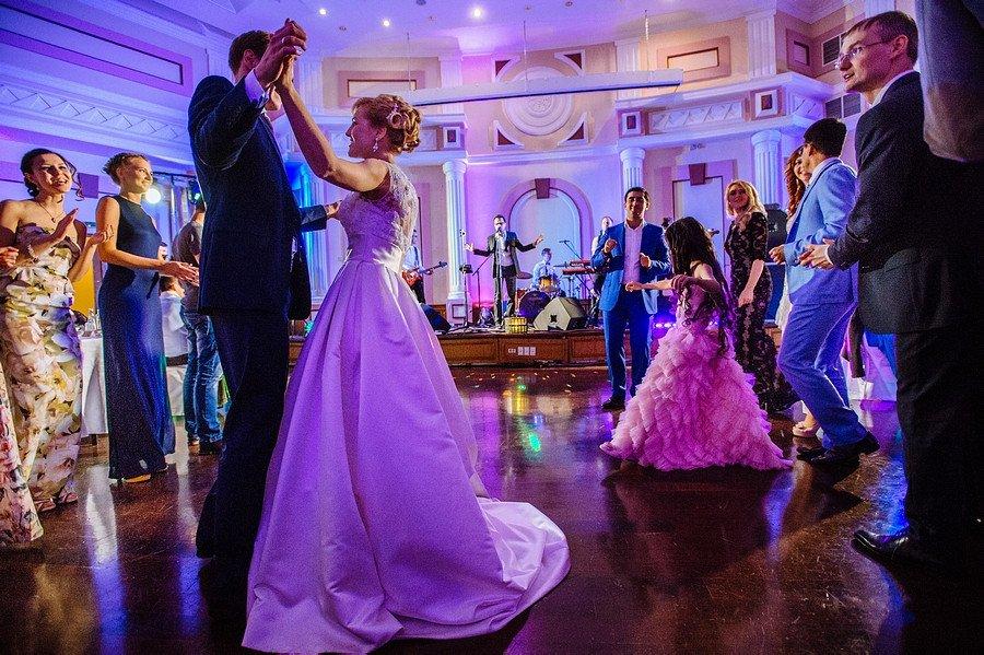 Танцевальные хиты на свадьбу
